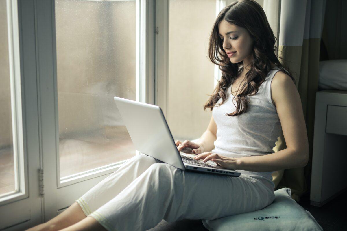 Mobilní internet bez limitu již není žádný problém, nabízí jej většina operátorů!